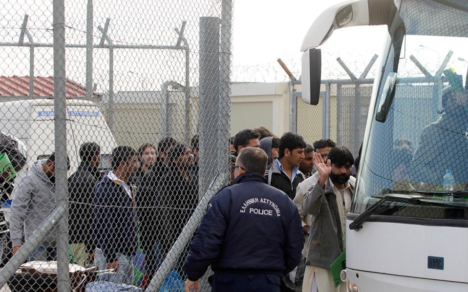 Προσλήψεις 150 ατόμων σε προαναχωρησιακά κέντρα κράτησης αλλοδαπών (τροπολογία)