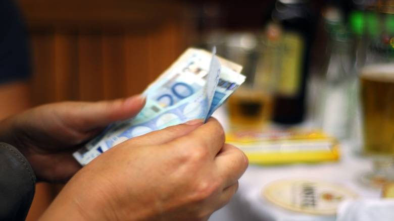 Θετικά νέα για το κοινωνικό μέρισμα –Πόσα χρήματα θα δοθούν
