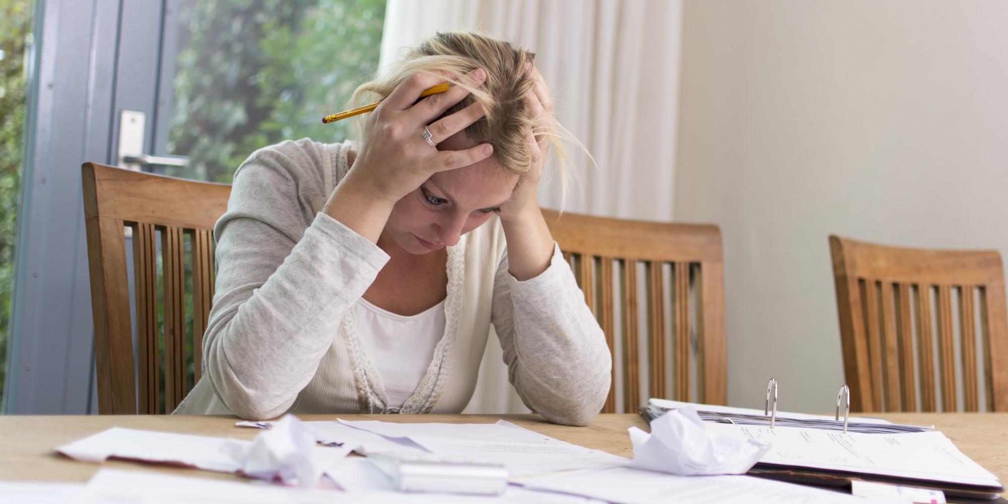 Συρρίκνωση στις συντάξεις, διόγκωση στα «κόκκινα δάνεια»