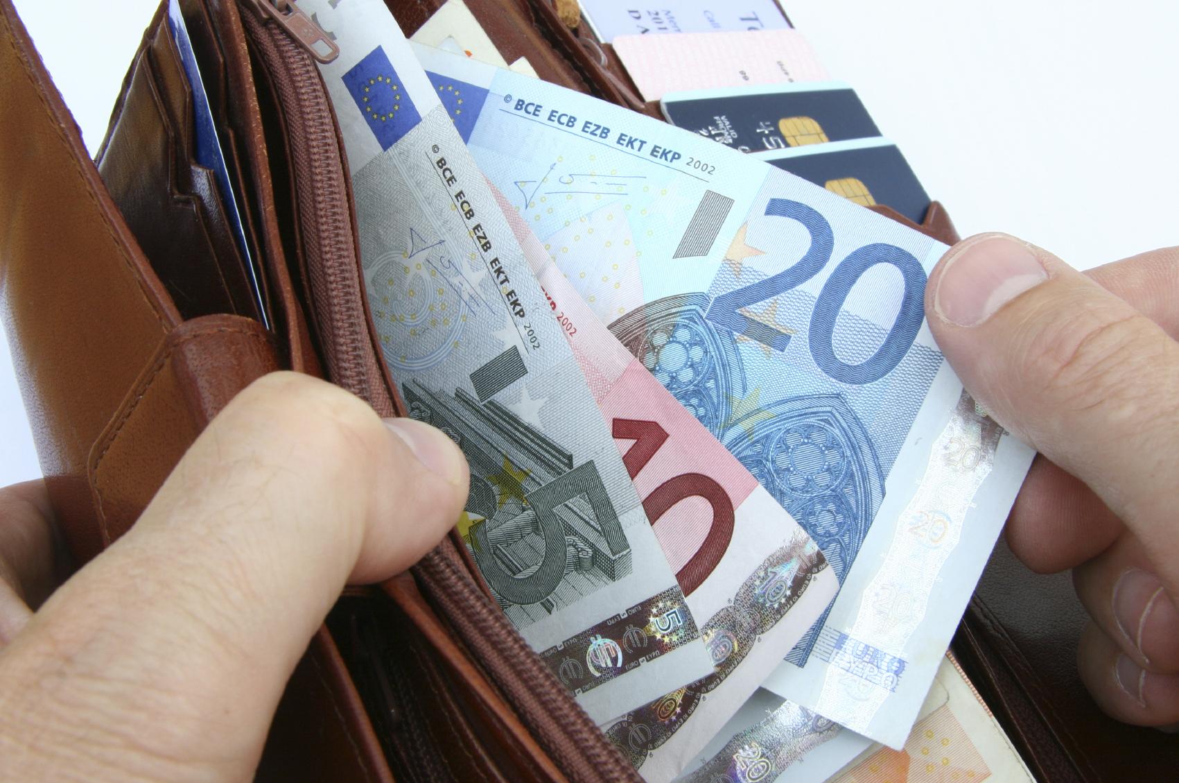 Χρέη: Η νέα ρύθμιση προς τα Ταμεία με δεκάδες δόσεις και «κούρεμα»